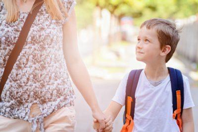 Câu quan trọng phụ huynh nên hỏi trẻ sau khi đi học về